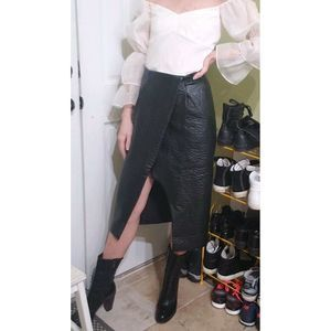 Finders Keepers Size M 8 10 Skirt Black Faux